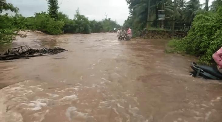 ગ્રામ્ય પંથકના માર્ગો પર ભરાયેલ વરસાદી પાણી